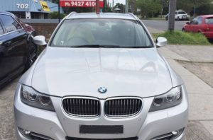 BMW 325 front